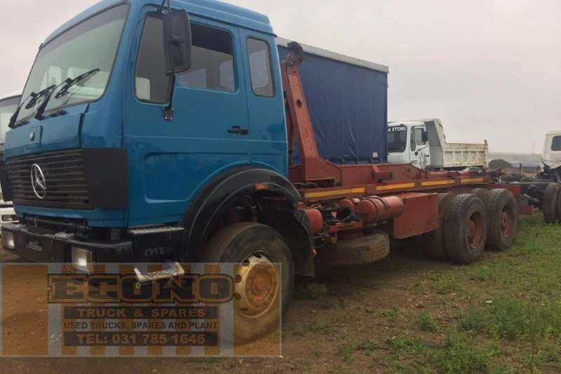 Mercedes Benz Hooklift 2628 V-Series Truck