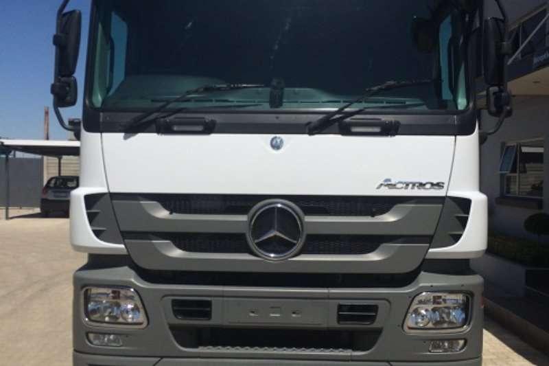 Truck Mercedes Benz Mercedes Actros 2644 2013