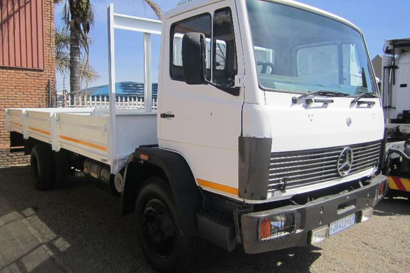 Mercedes Benz Mercedes Benz 16-17 drop side Truck