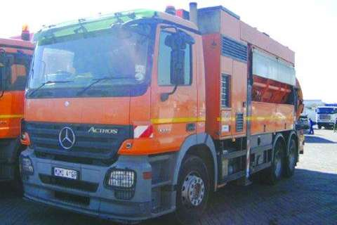 Mercedes Benz Other 3335- CLEANFAST /TRENCHIN Truck