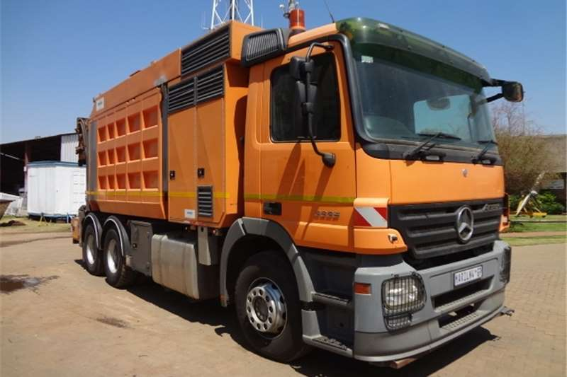 Truck Mercedes Benz Other Actros 3335 with SA Marails cleanfast Trenching Eq 2008