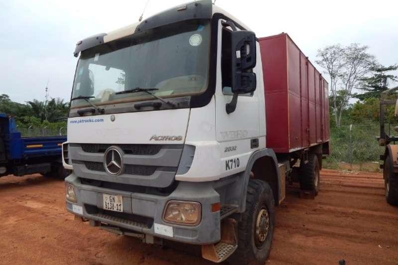 Mercedes Benz Other Mercedes Benz Actros 2032 4x4 Field Service Unit Truck