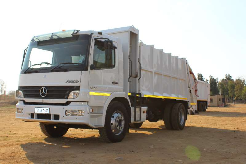 Truck Mercedes Benz Refuse Disposal Mercedes benz 1517 refuge compactor 0