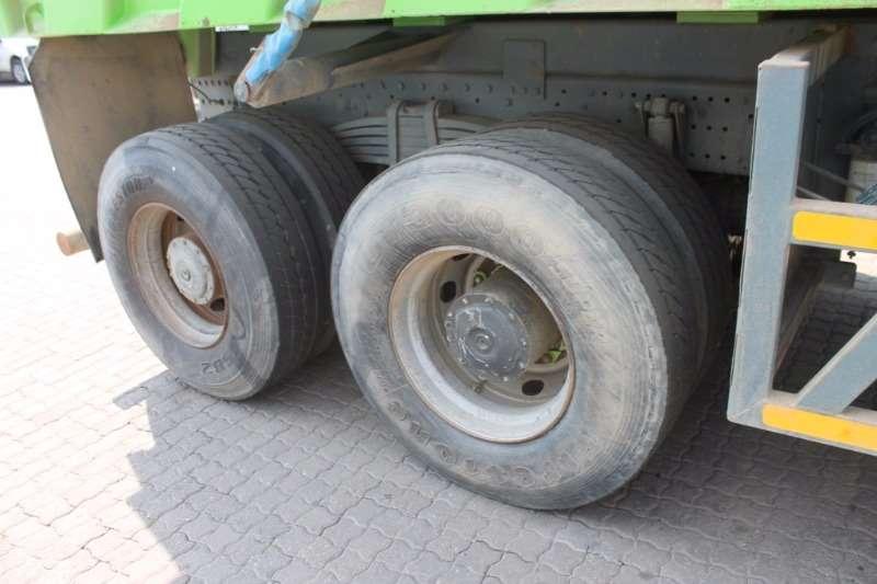 Mercedes Benz Tipper Actros 3335K 12m³ Truck