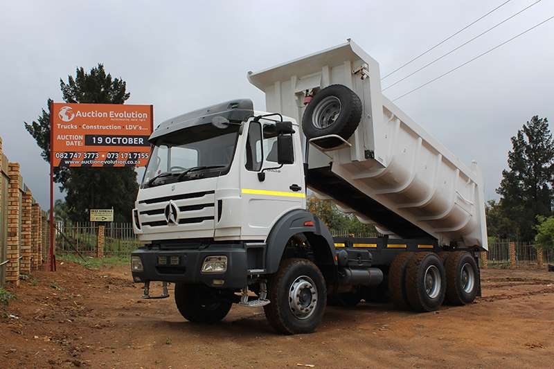 Mercedes Benz Tipper M/BENZ POWERSTAR 3335 10 CUBE TIPPer Truck