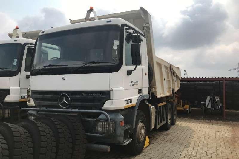 Mercedes Benz Tipper Mercedes Benz 3331K 11m³ Tipper Truck