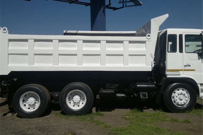 Mercedes Benz Tipper  Mercedes V Series Truck