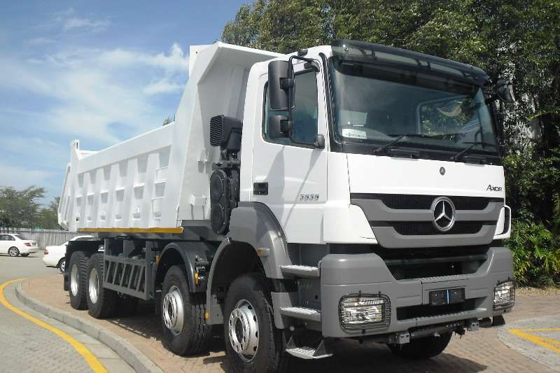 2017 mercedes benz axor 3535k 51 hub tipping body truck for Mercedes benz trucks