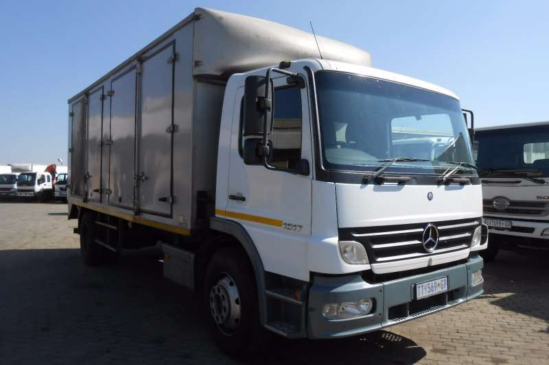 Mercedes Benz Van body M/BENZ 1517 VAN BODY Truck
