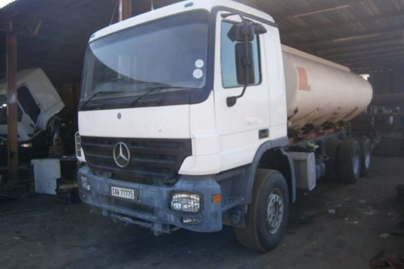 Truck Mercedes Benz Water Tanker 3331 2005