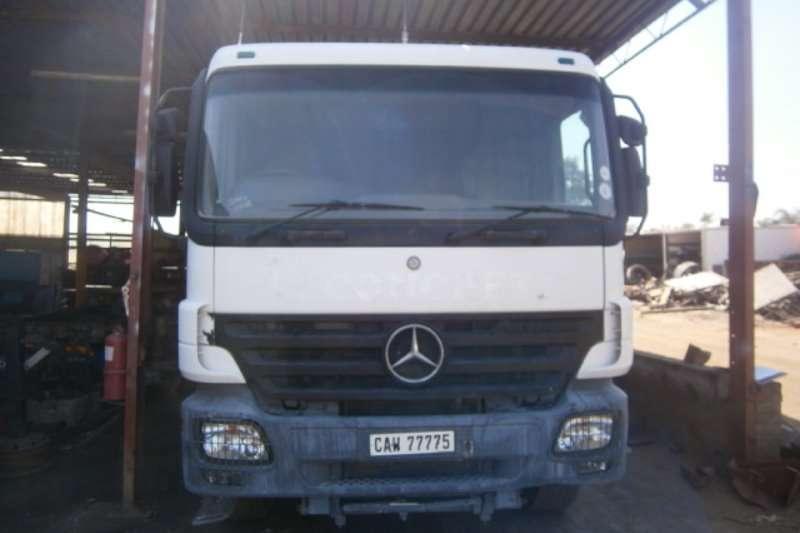 Mercedes Benz Water tanker 3331 Truck
