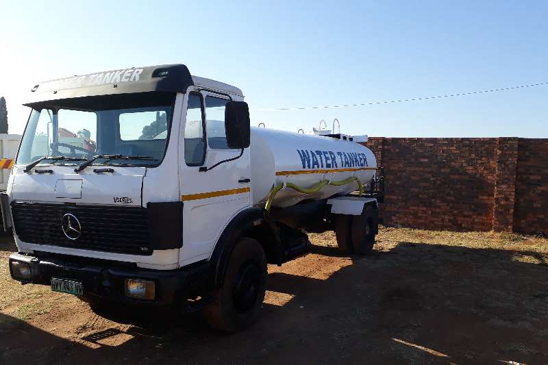 Truck Mercedes Benz Water Tanker MERC BENZ 10000L WATER TANKER WITH HYDRAULICS 1988