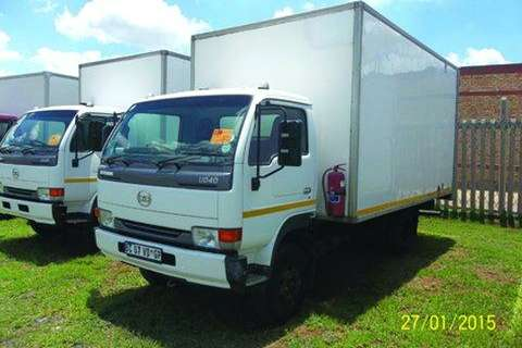 Truck Nissan 40 Turbo Volume Van- 2011