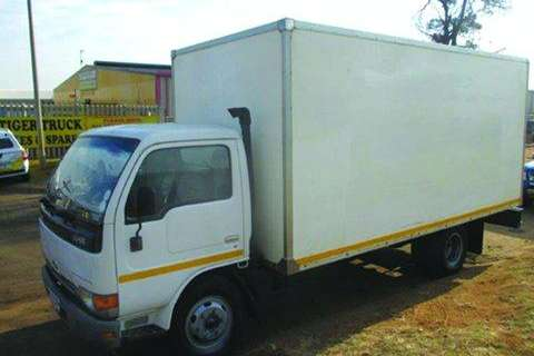 Truck Nissan 40L- 2006