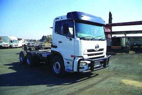 Truck Nissan 460 Truck Tractor- 2008