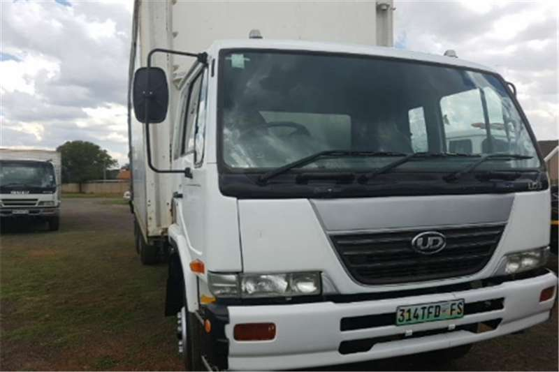 Truck Nissan Cabstar Ud95 with agaxle 2008