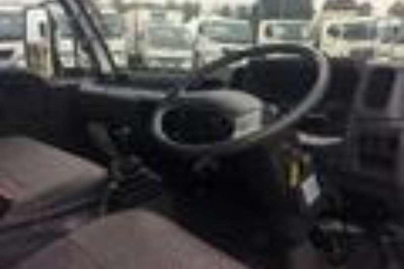Nissan Cattle body NISSAN UD40 DROPSIDE BODY Truck