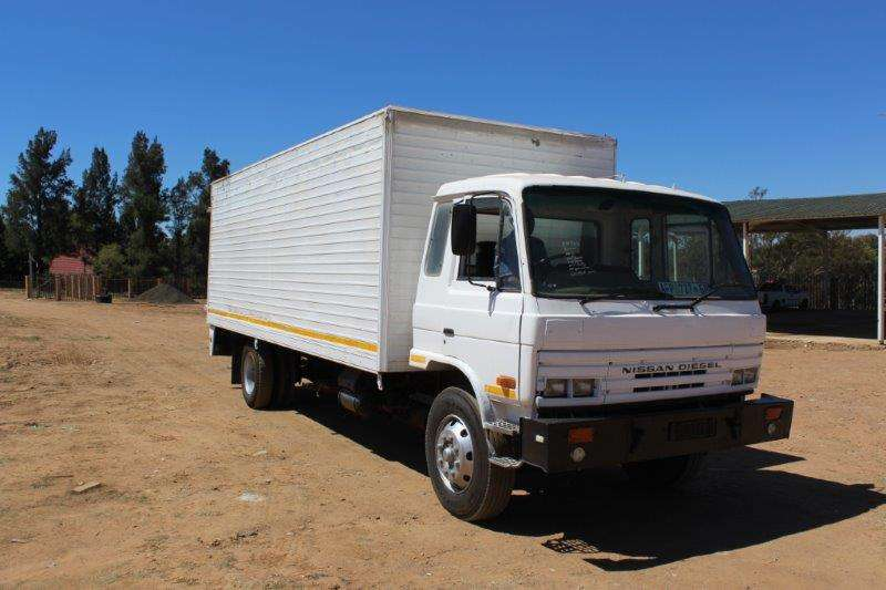 Truck Nissan Closed Body NISSAN CM16 8 TON CLOSED BODY 0