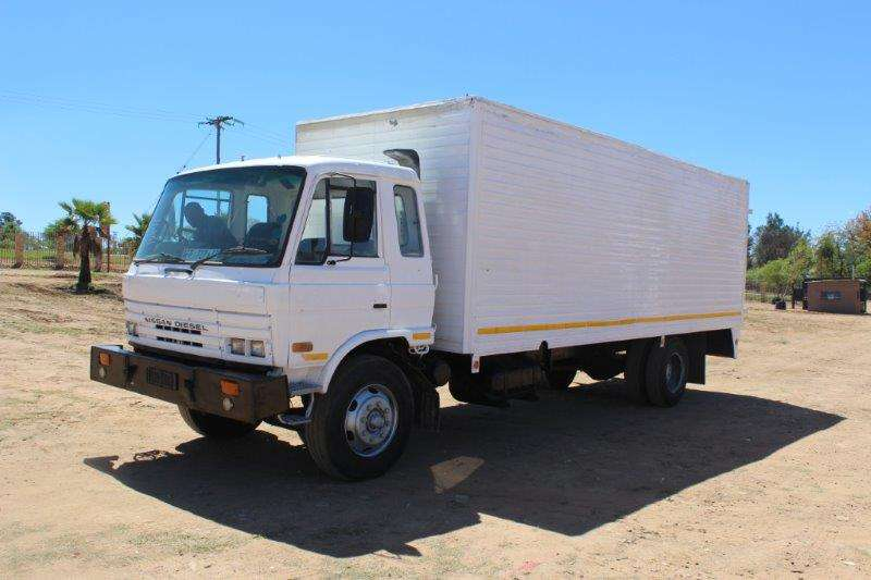 Nissan Closed body NISSAN CM16 8 TON CLOSED BODY Truck
