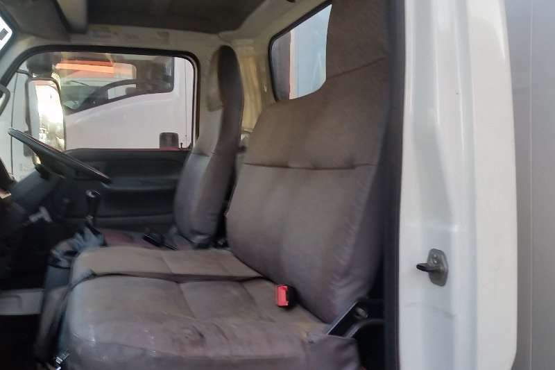Nissan Closed body NISSAN UD40 CLOSE BODY Truck