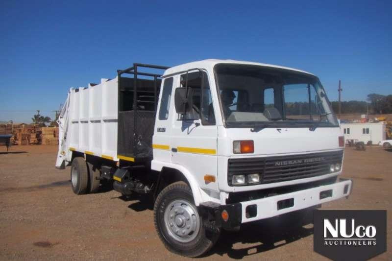 Nissan Compactor NISSAN DIESEL CM12 WASTE COMPACTOR Truck
