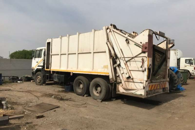 Truck Nissan Compactor UD 290 2001