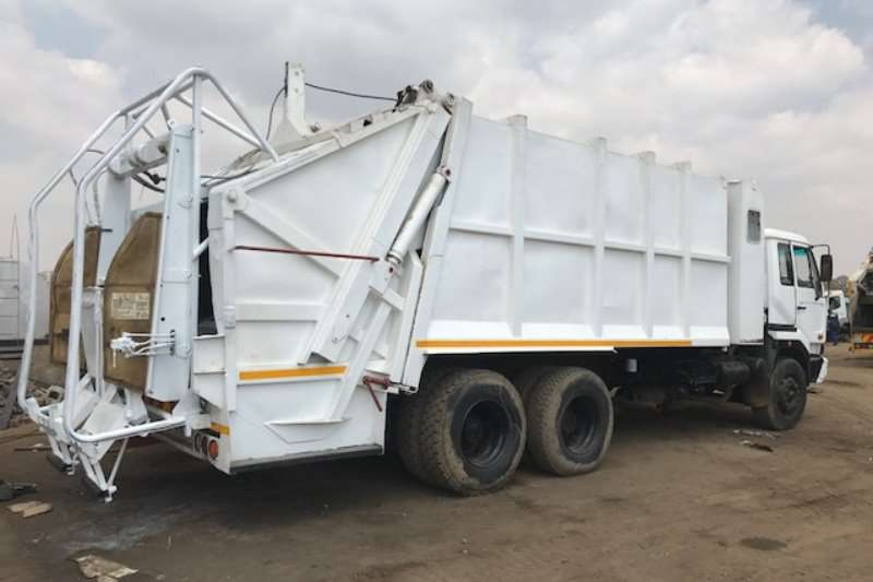Truck Nissan Compactor UD290 2007