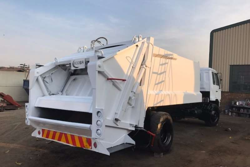 Nissan Compactor UD80 Truck