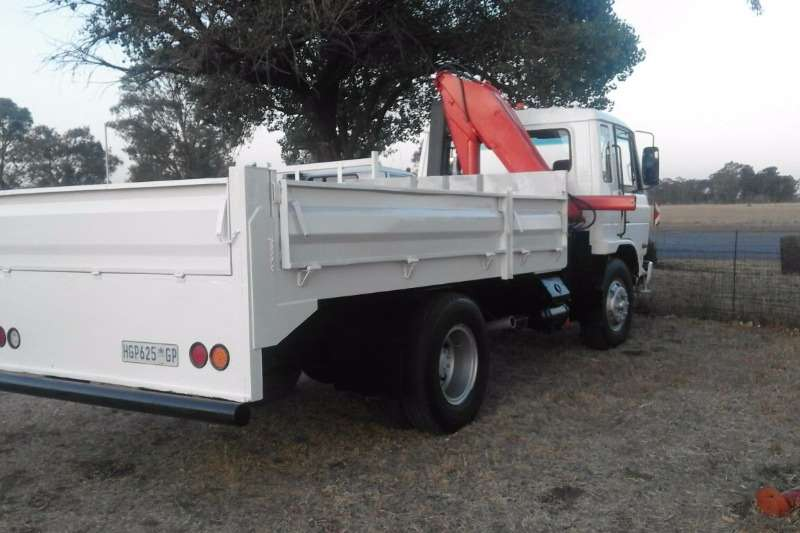 Nissan Crane truck Nissan CM 12 crane truck Truck
