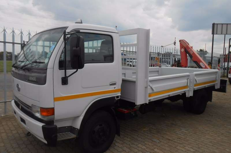 Nissan Crane truck NISSAN UD40 DROPSIDE WITH PK 3.8 CRANE Truck