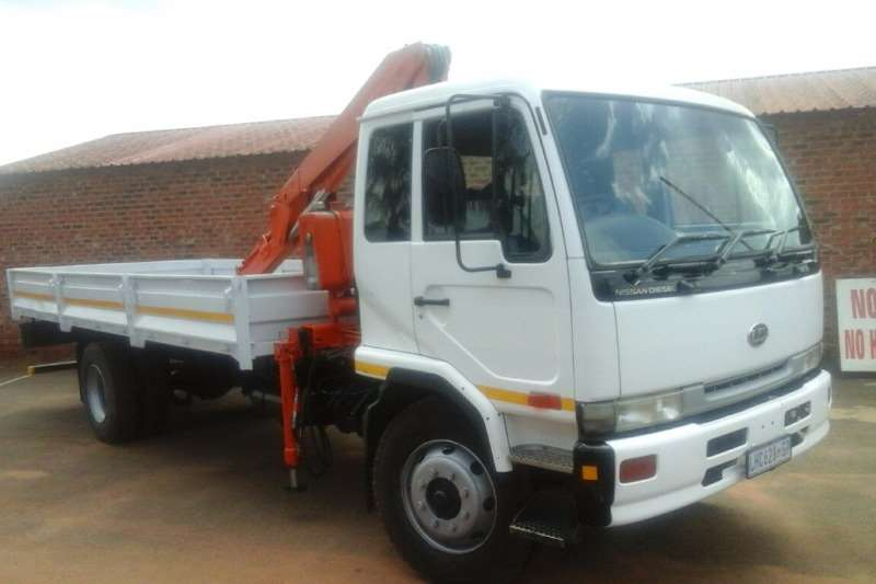 Truck Nissan Crane Truck UD 80 WITH 6 TON FASSI CRANE FOR SALE 2005