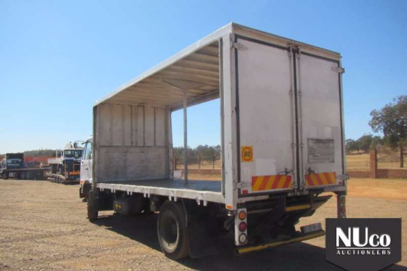 Nissan Curtain side NISSAN UD80 TAUTLINER Truck