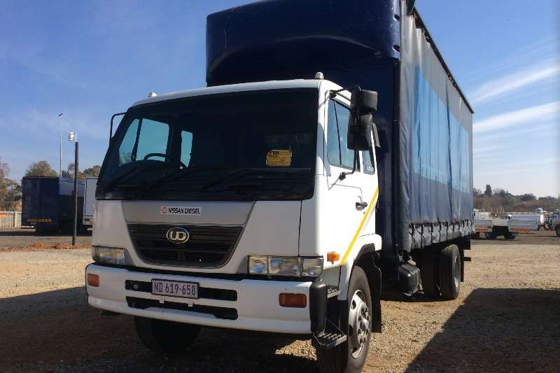 Nissan Curtain side UD80 Curtain Side Truck