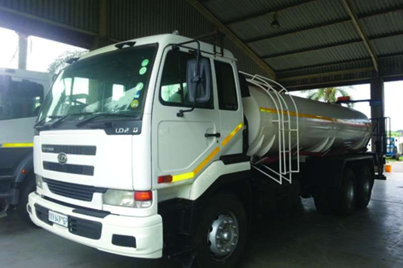 Nissan Diesel tanker UD 290 6x4 Rigid Truck