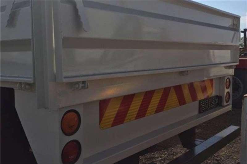 Nissan Dropside CM 16  Truck