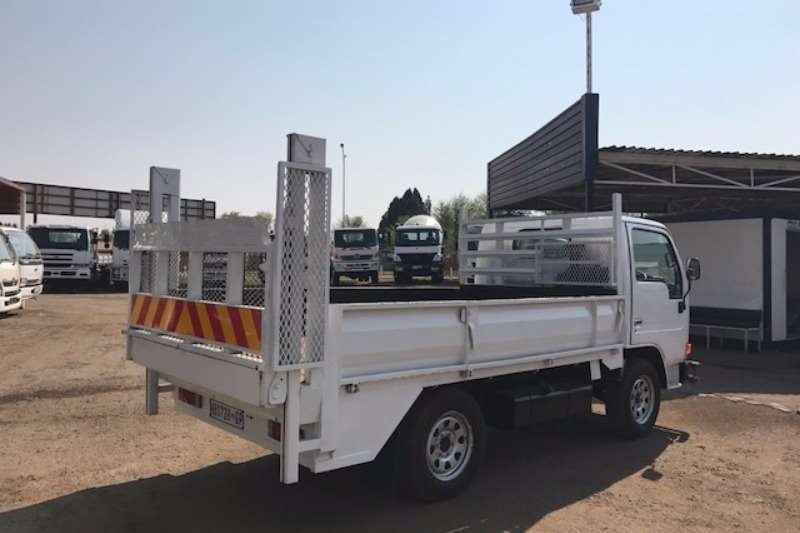 Nissan Dropside NISSAN CABSTAR 20 WITH TAILLIFT Truck