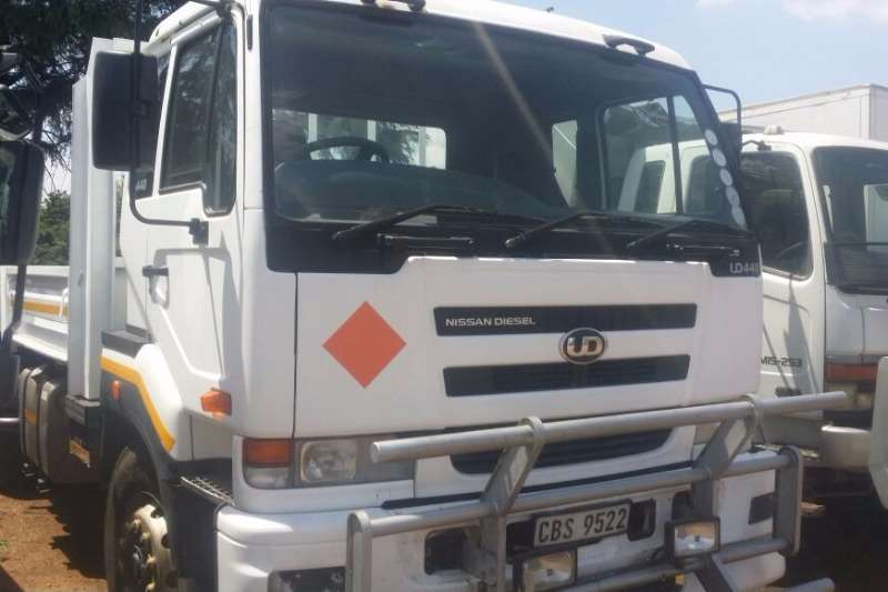 Nissan Dropside Nissan UD 440 6x4 LWB Rigid Truck