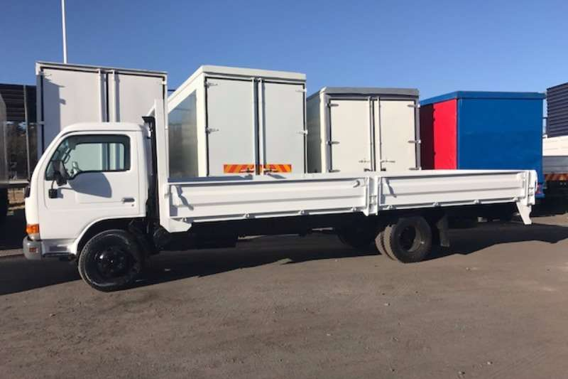 Nissan Dropside NISSAN UD40 WITH 6M DROPSIDE Truck