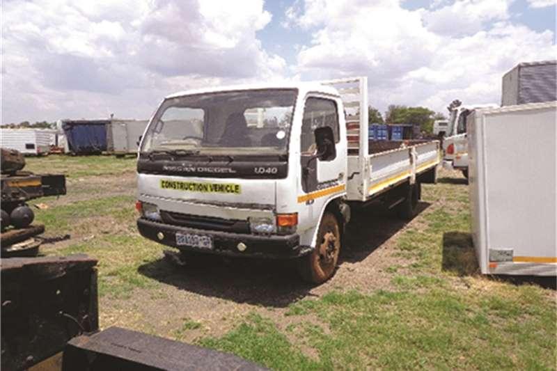 Nissan Dropside UD 40 Truck