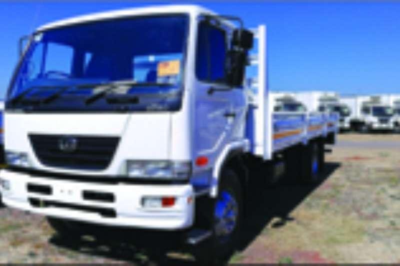 Truck Nissan Dropside UD 80 2009