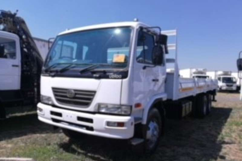Nissan Dropside UD100 Truck