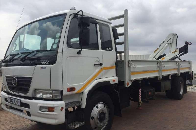 Truck Nissan Dropside UD90 2016