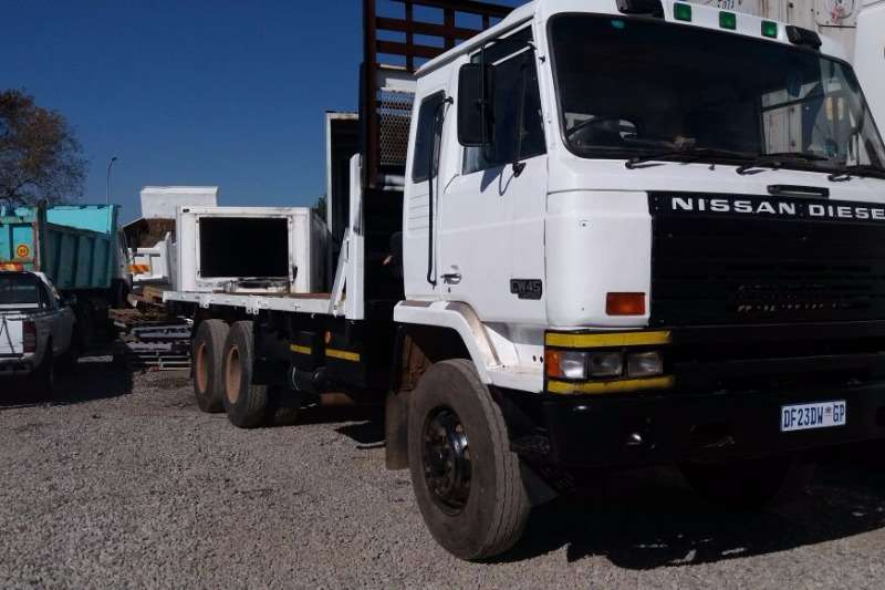 1989 nissan nissan diesel cw45 flat deck truck trucks for sale in gauteng r 165 000 on truck. Black Bedroom Furniture Sets. Home Design Ideas