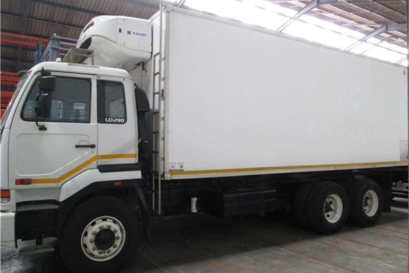 Truck Nissan Fridge Truck 2004 UD290 6X4 Reefer 2004