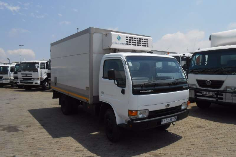Nissan Fridge truck NISSAN UD40 WITH FRIDGE Truck