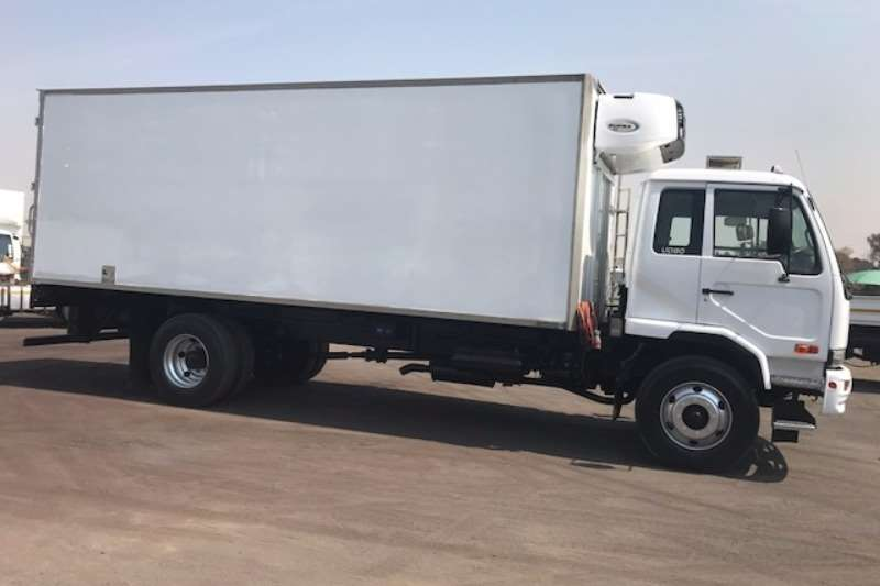 Nissan Fridge truck NISSAN UD80 FRIDGE BODY WITH CARRIER UNIT Truck