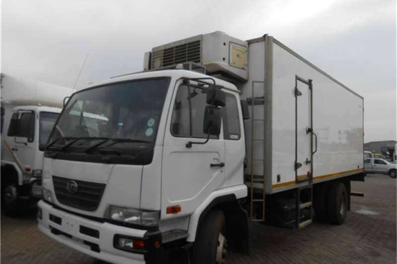 Nissan Fridge truck UD80 , 422 CARRIER FRIDGE Truck
