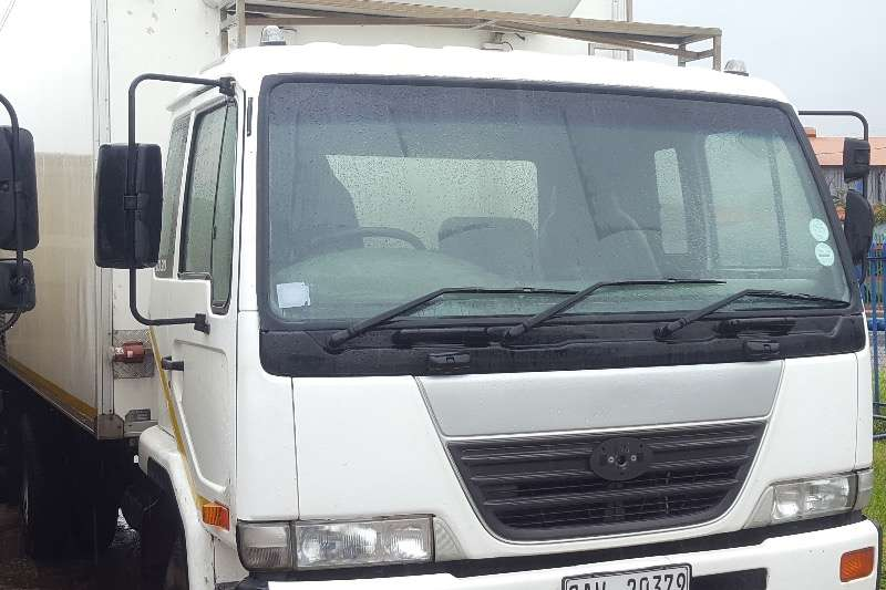 Nissan Fridge truck UD90 REEFER Truck