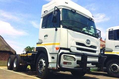 Truck Nissan GW UD 26-410 HR/TT 6X4- 2014