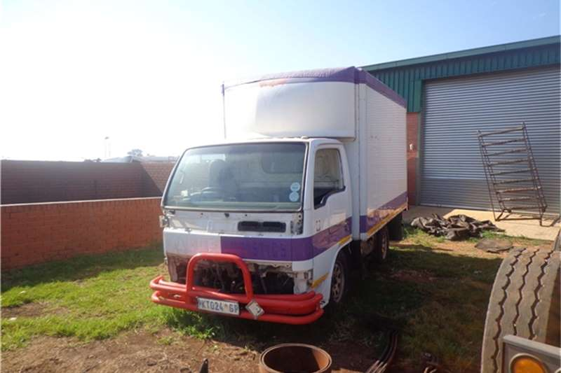 Nissan Insulated body Cabstar for stripping Truck